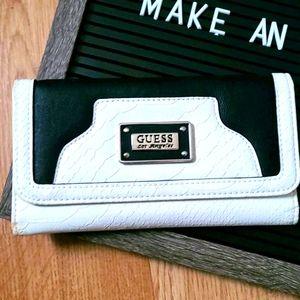 ⭐GUESS Black & White Wallet